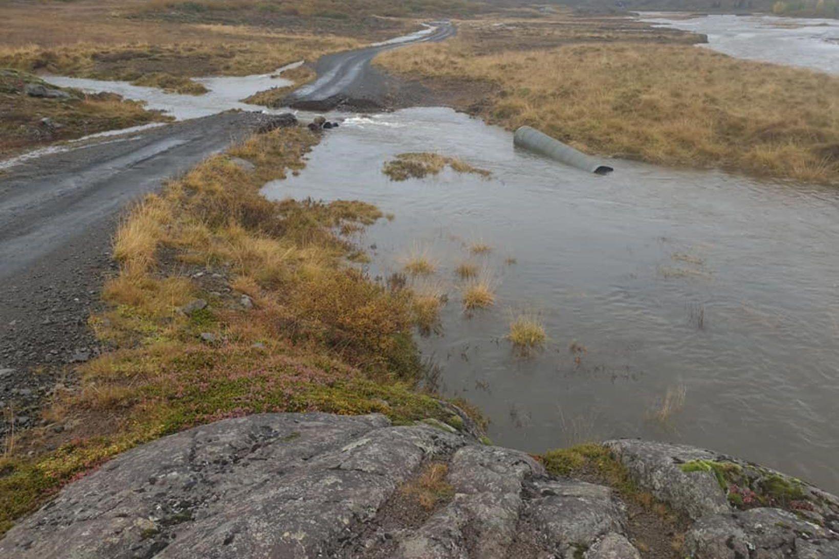 Miklir vatnavextir hafa verið undanfarna daga á Vesturlandi og á …