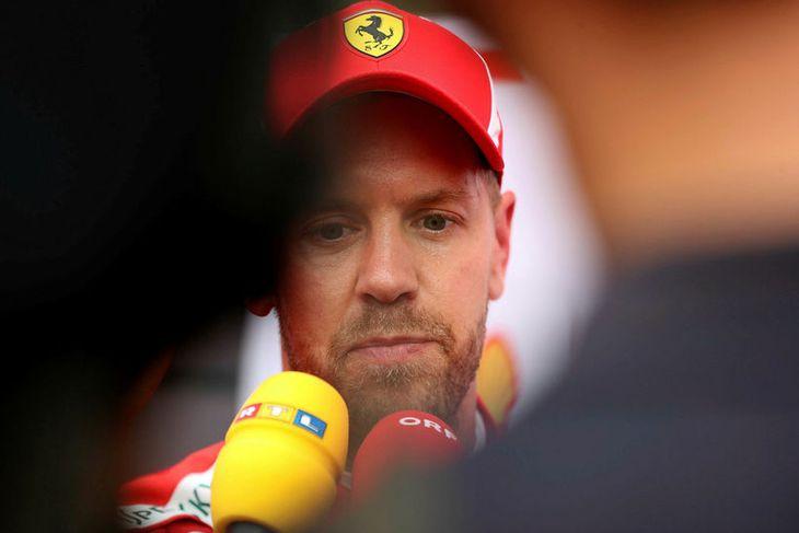 Sebastian Vettel ræðir við blaðamenn eftir seinni æfingu dagsins í Búdapest.