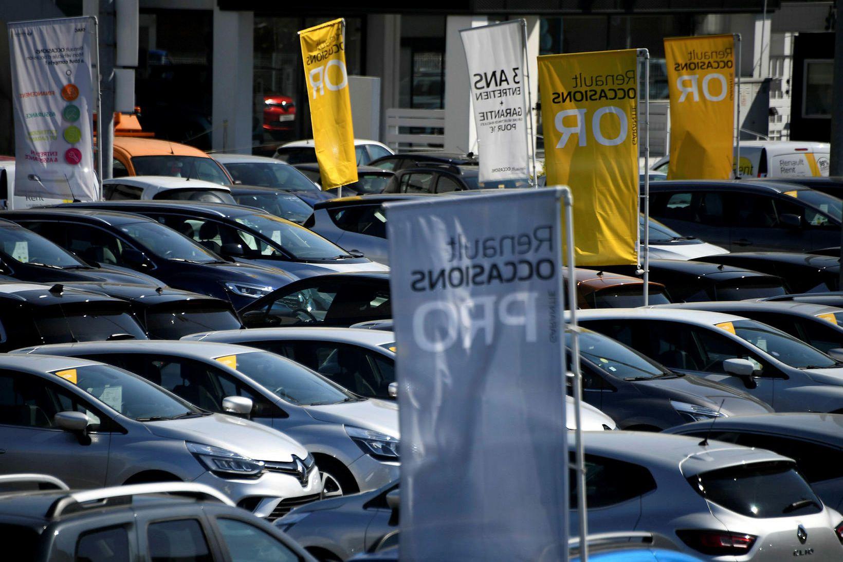 Á bílasölu Renault í París er að finna margt tilboðið …