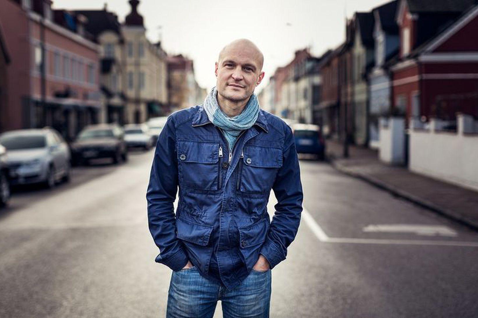 Fredrik Önnevall og teymi aðstoðuðu drenginn við að flýja frá …