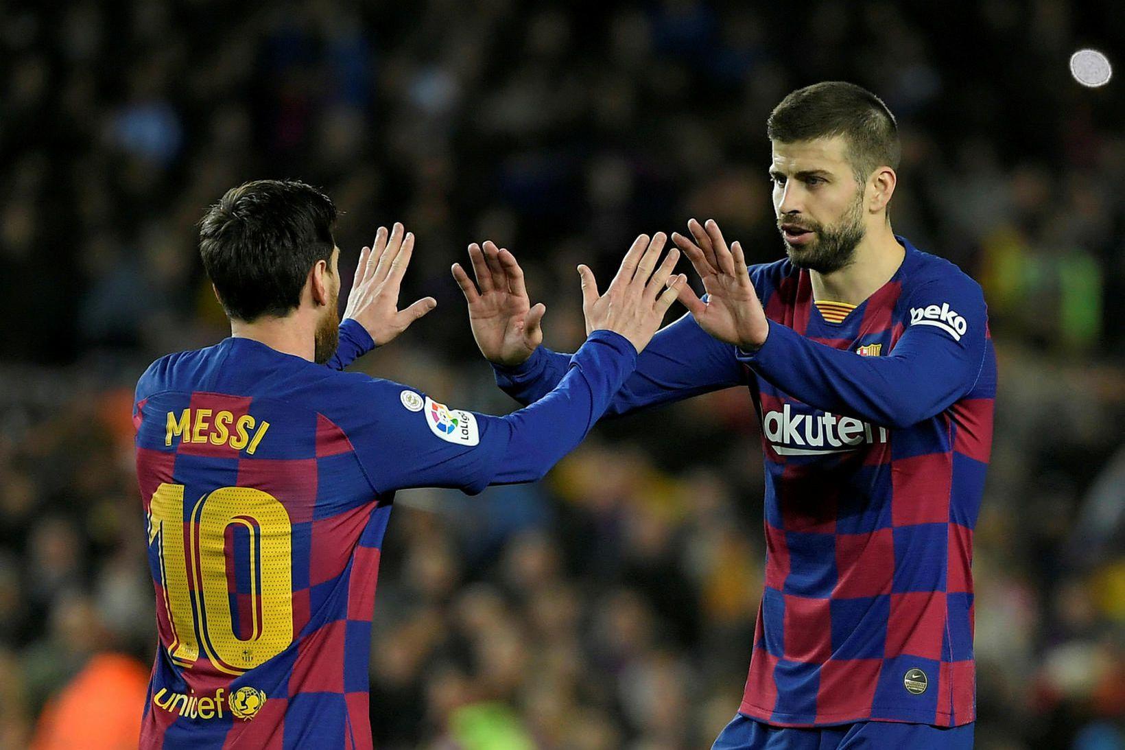 Lionel Messi og Gerard Pique eru í viðræðum við forráðamenn …