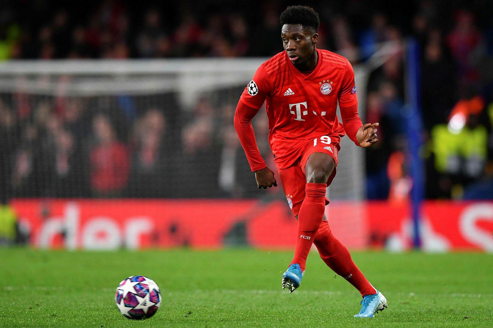Kanadamaðurinn Alphonso Davies sýndi í leik Bayern München og Chelsea …