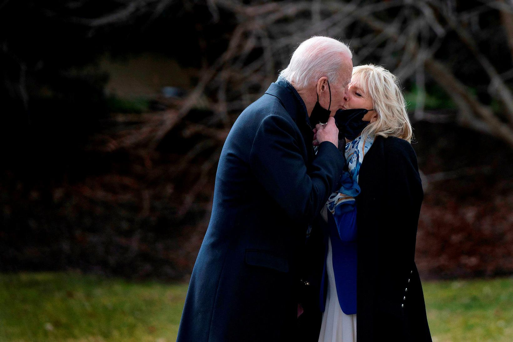 Forsetahjónin Joe og Jill Biden eru rómantísk.
