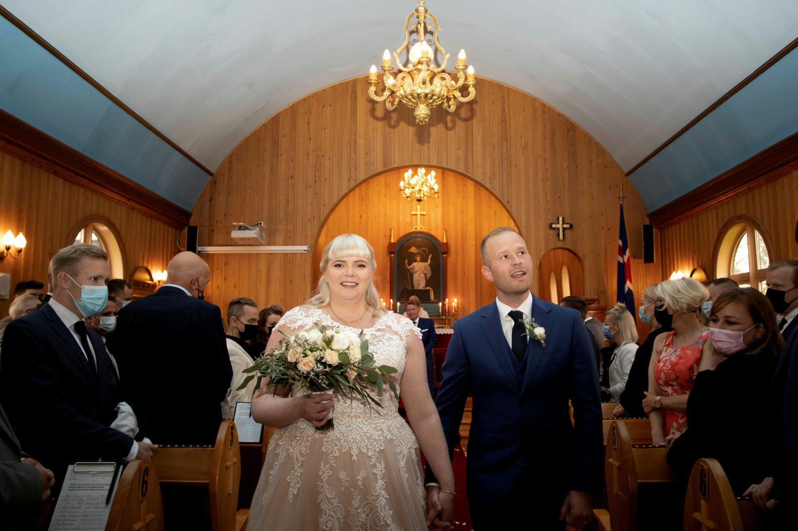 Elín Anna og Sigurberg giftu sig í Lágafellskirkju í lok …