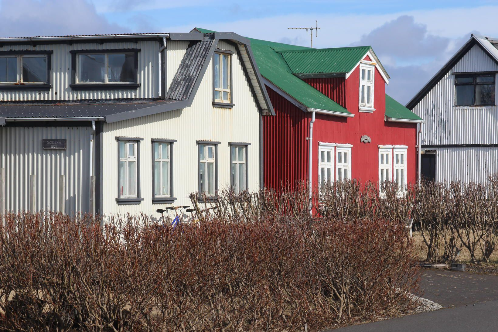 Frá Suðurlandi. Þar fundust drunurnar víða.