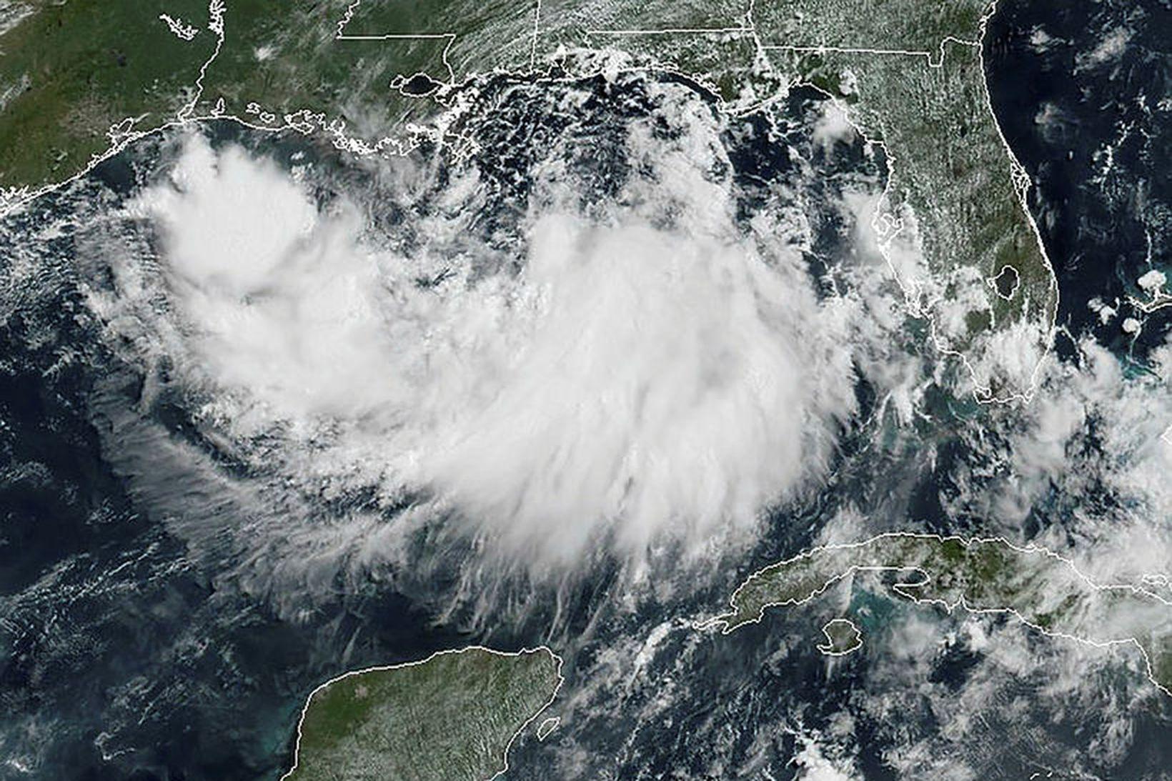 Gervihnattarmynd af hitabeltisstorminum Barry í Mexíkóflóa, sem tekin var í …