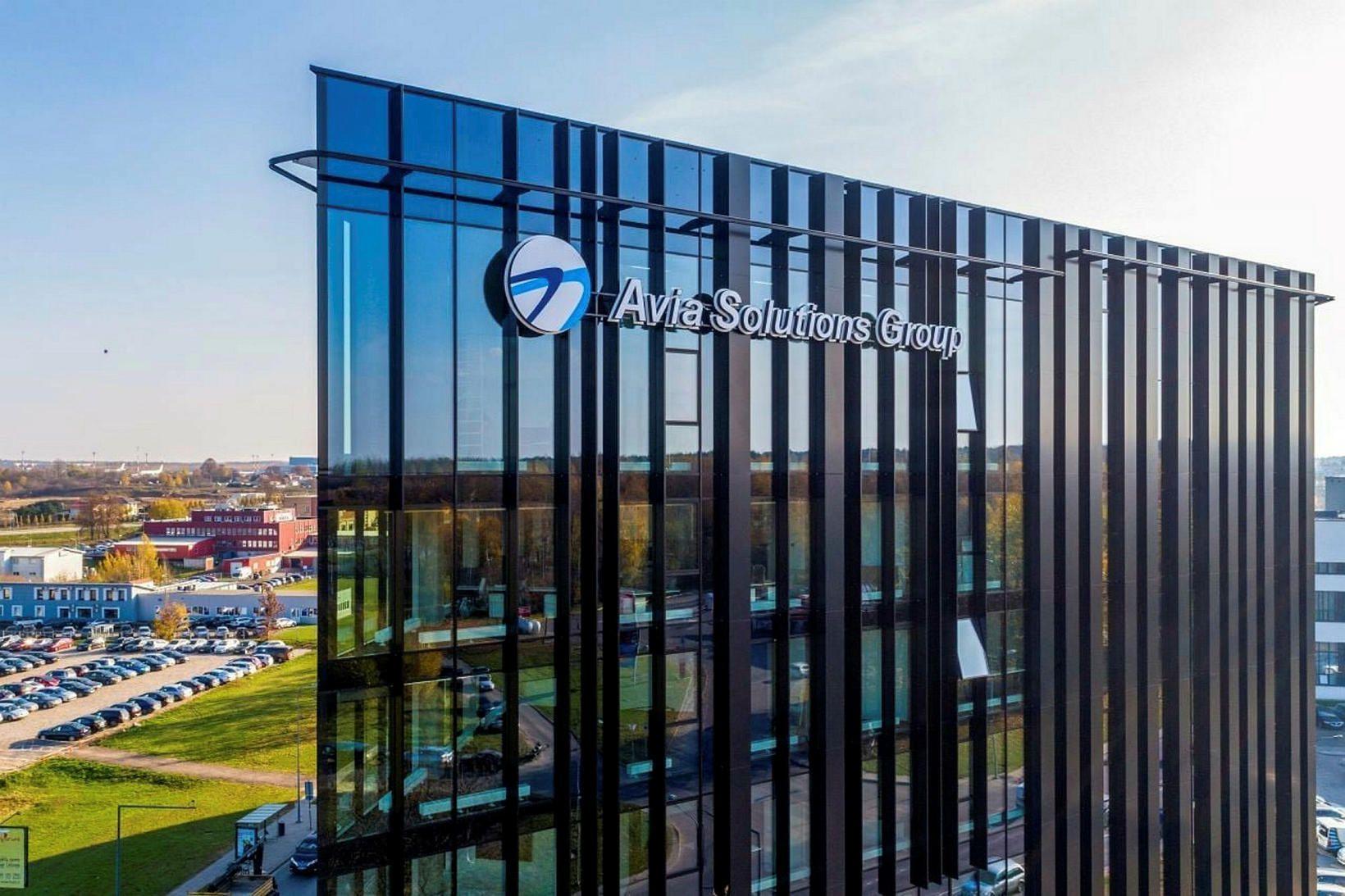 Um sjö þúsund manns starfa hjá Avia Solutions Group um …