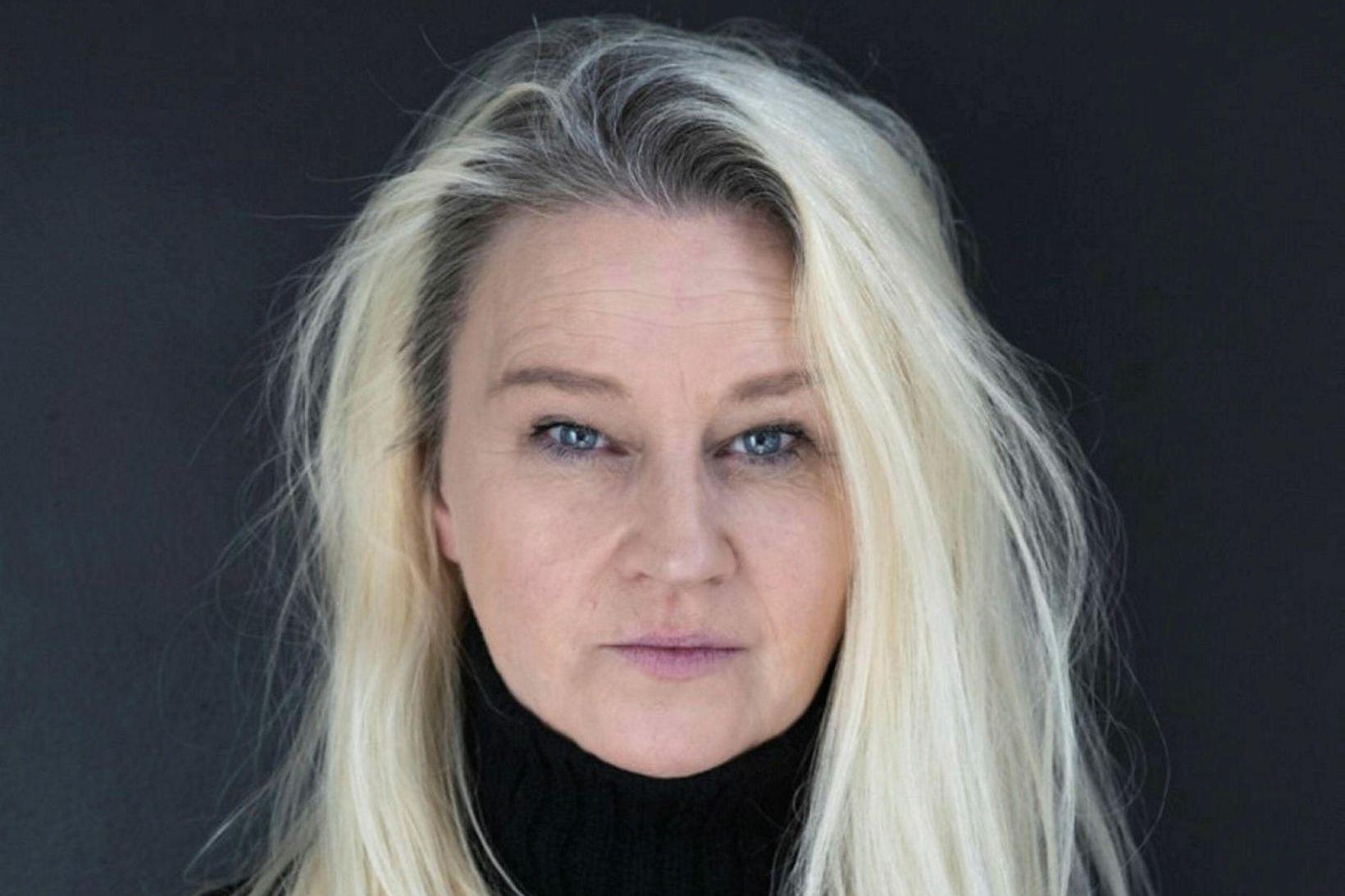 Helena Jónsdóttir prýðir forsíðu Vikunnar.