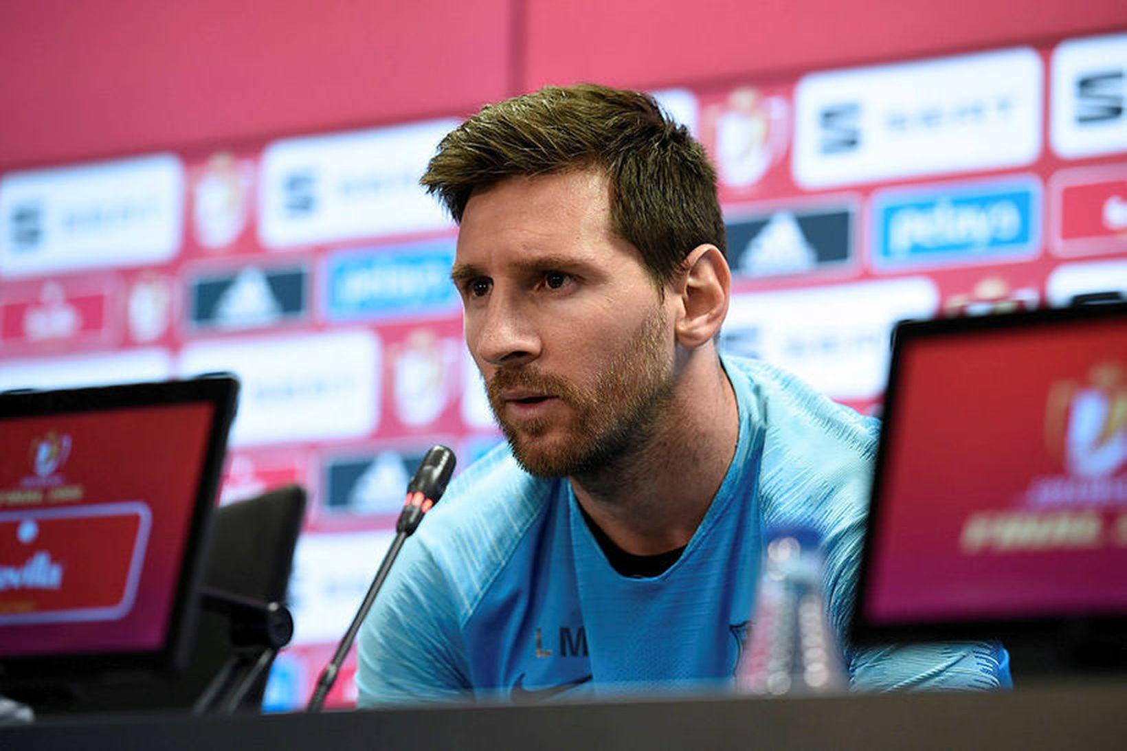 Lionel Messi er ekki vanur því að mæta á blaðamannafundi …