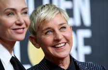 Ellen DeGenerers sést hér með eiginkonu sinni, leikkonunni Portiu de Rossi. DeGeneres fékk kórónuveiruna í …