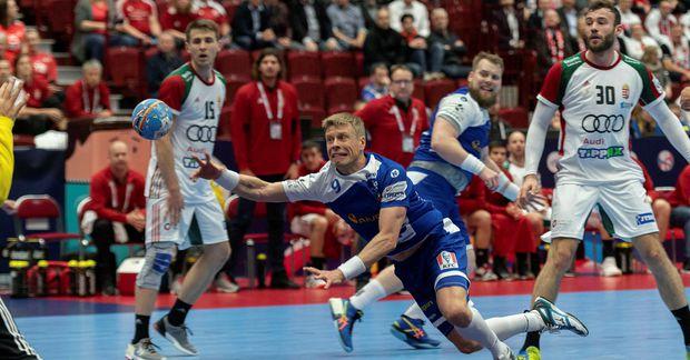 Guðjón Valur Sigurðsson leysir inn á línu.