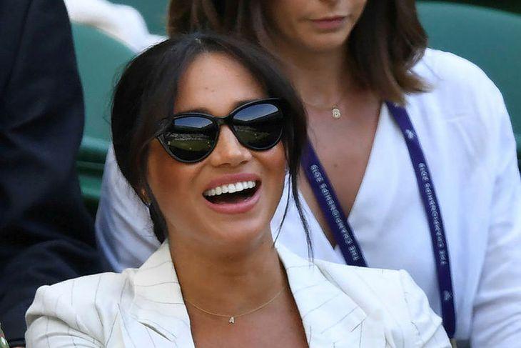 Meghan hertogaynja mætti á Wimbledon mótið.