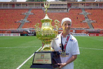 Þórunn Helga Jónsdóttir varð meistari með Santos í Brasilíu árið 2010.