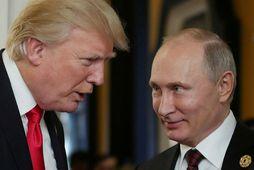 Donald Trump Bandaríkjaforseti og Vladimír Pútín Rússlandsforseti ræddust við símleiðis í gær og bauð Trump …