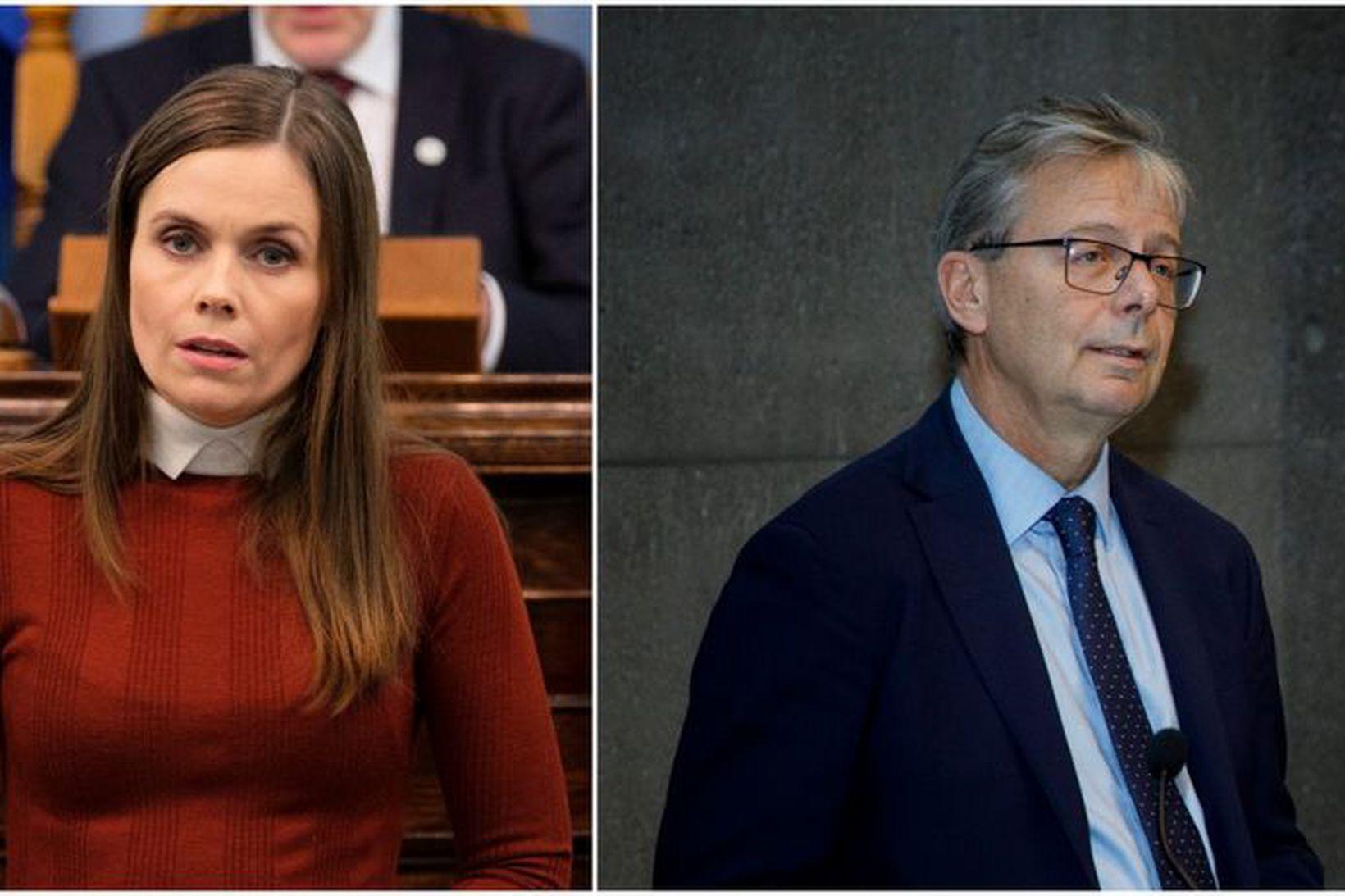 Mótmælandi með gjallarhorn beindi orðum sínum að Katrínu Jakobsdóttur forsætisráðherra …