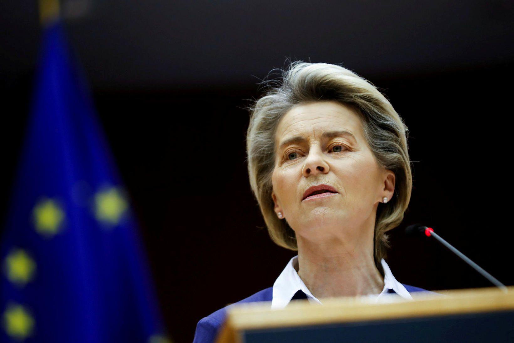 Ursula Von Der Leyen, forseti framkvæmdastjórnar ESB, kynnti aðgerðirnar í …