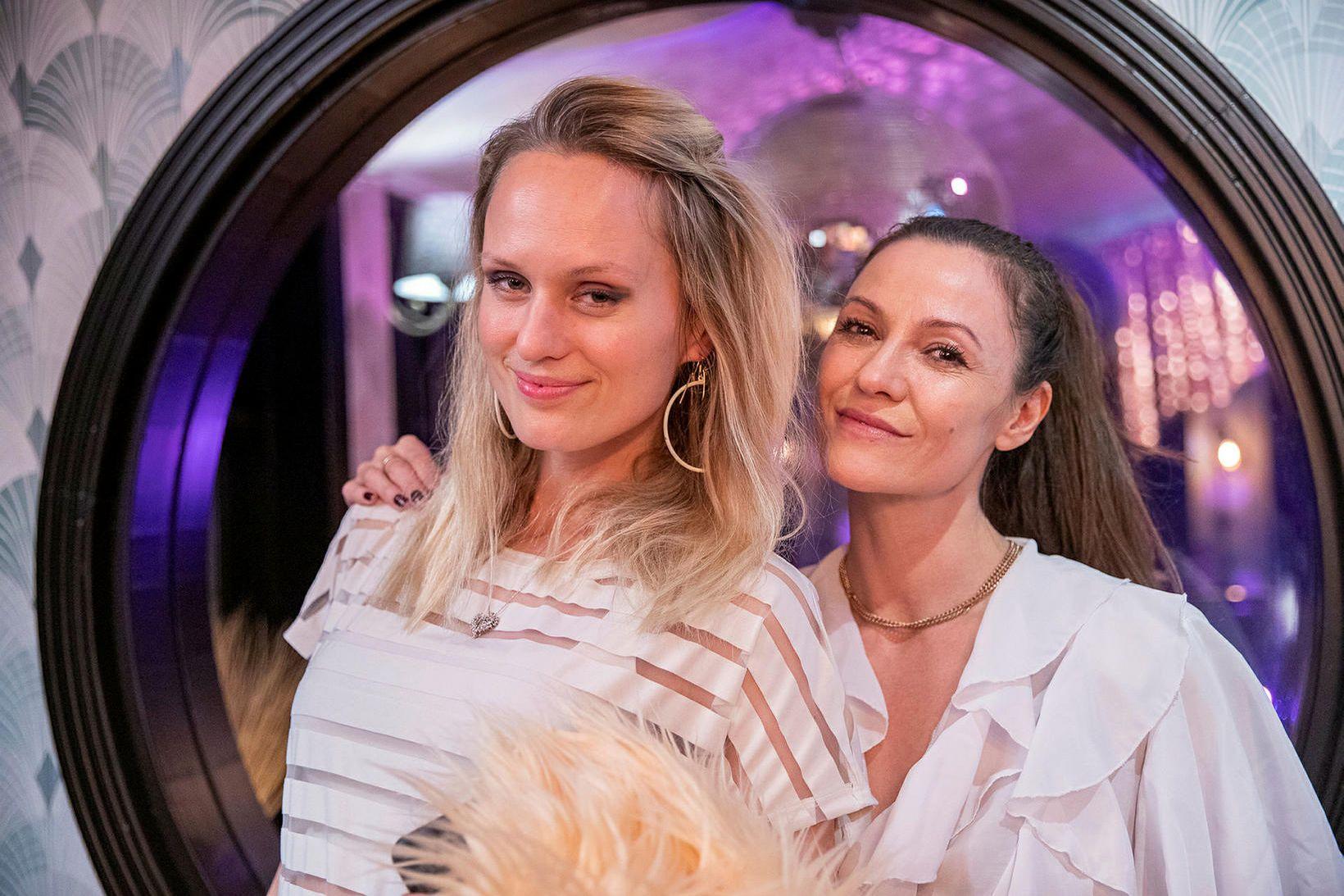Sóley Kristjánsdóttir og Tinna Aðalbjörnsdóttir.