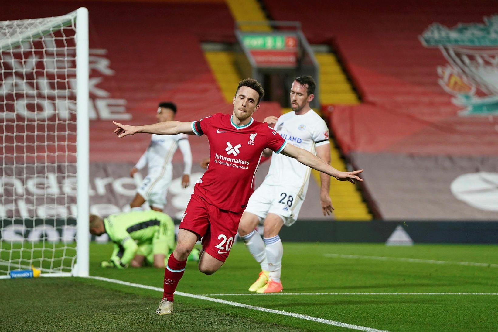 Diogo Jota fagnar marki sínu gegn Leicester á Anfield í …