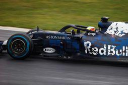 Ricciardo á ferð í Silverstone í dag.