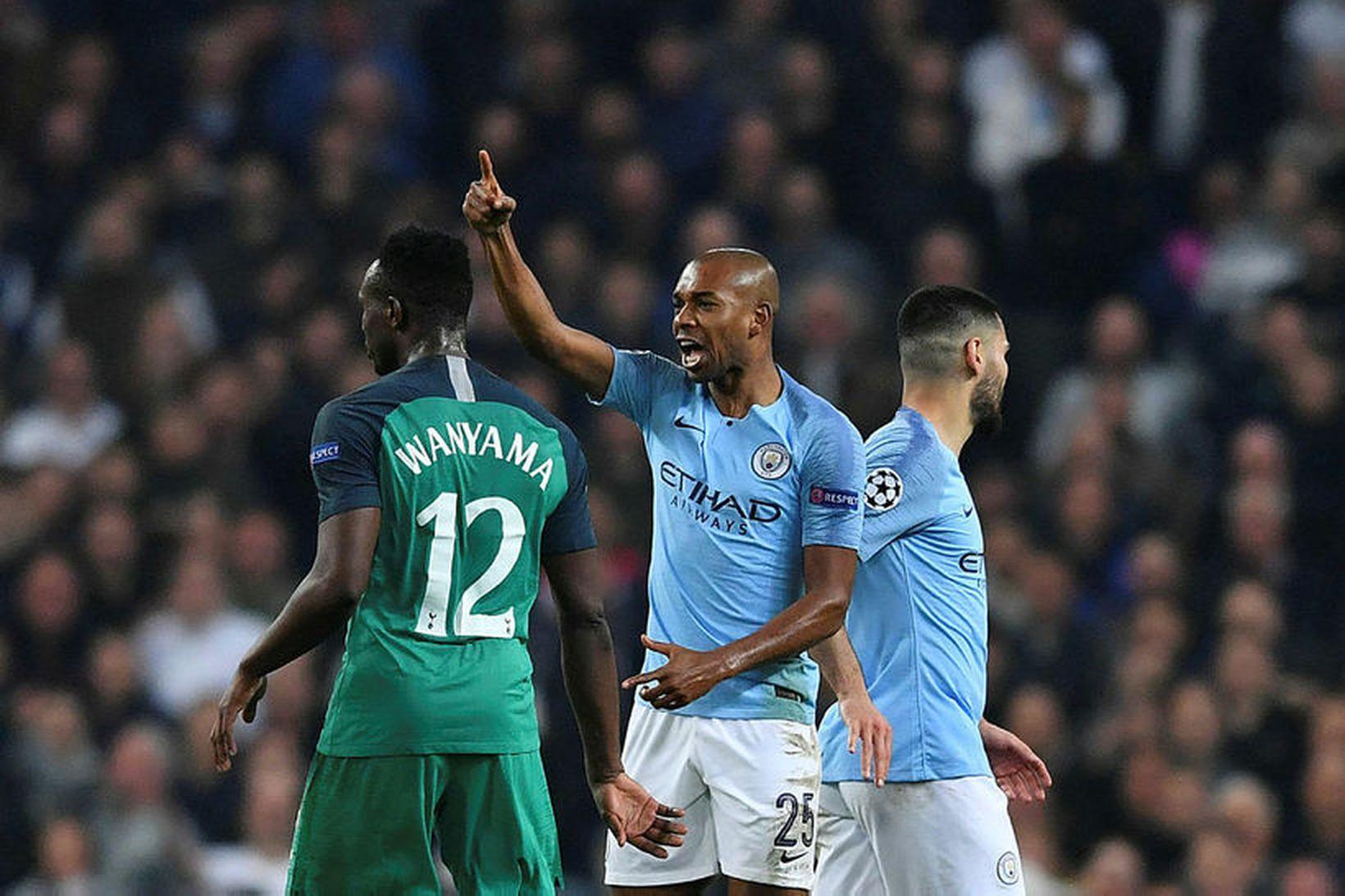 Fernandinho var í sárum eftir leik City og Tottenham í …