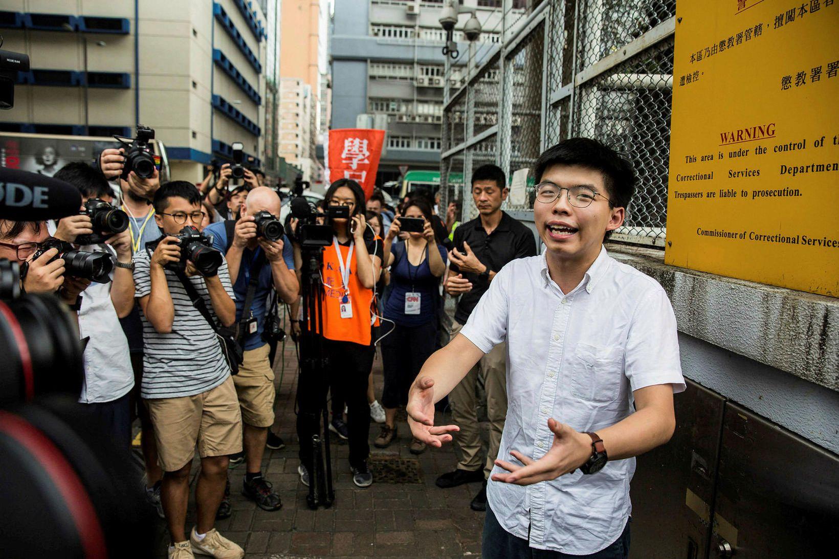Aðgerðasinninn Joshua Wong er meðal þeirra sem hafa fengið dóma …