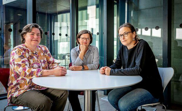 Pamela Innes, Unnur Dís Skaptadóttir og Anna Wojtynska vinna saman að því að rannsaka upplifun …