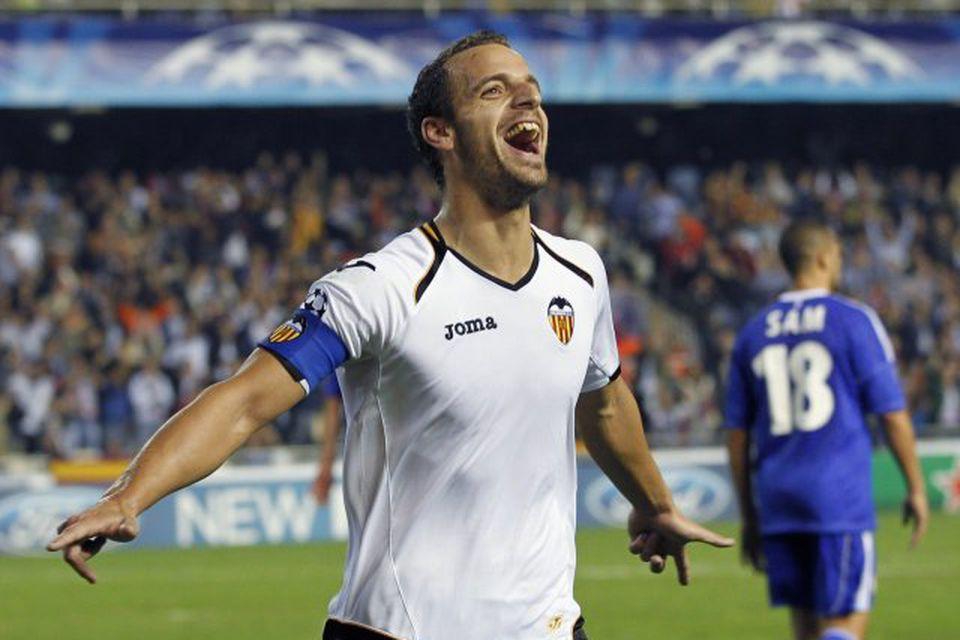 Roberto Soldado er kominn til Tottenham frá Valencia fyrir 26 milljónir punda.