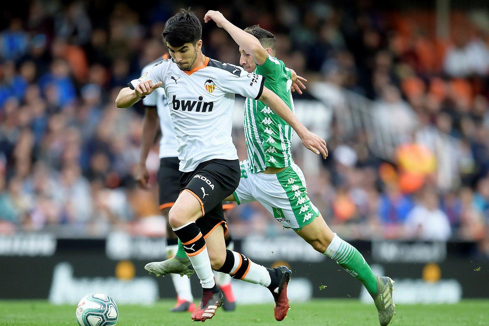 Carlos Soler hefur spilað vel með Valencia á tímabilinu.