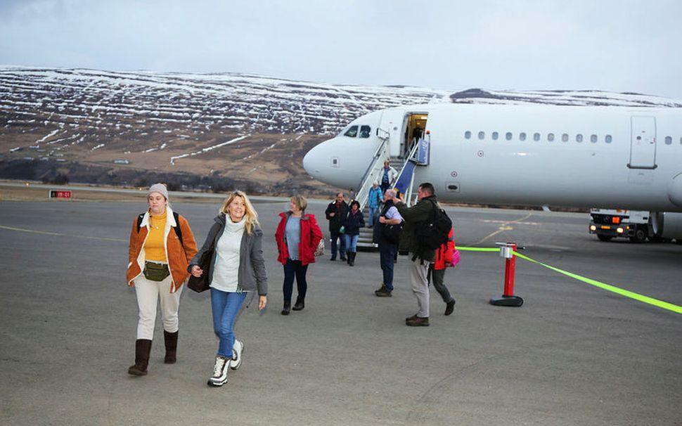 Super Break skipulagði flug á milli Bretlands og Akureyrar.
