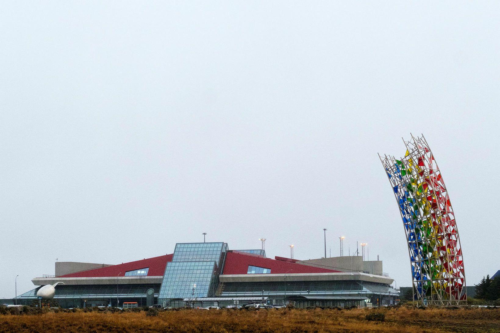 Uppgangur var í Reykjanesbæ þegar erlendir ferðamenn flykkt-ust til landsins. …