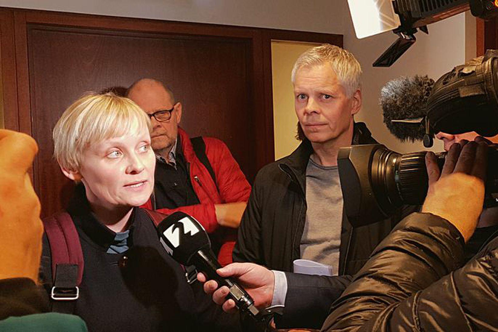 Sólveig Jónsdóttir, formaður Eflingar, við dómsalinn í dag.