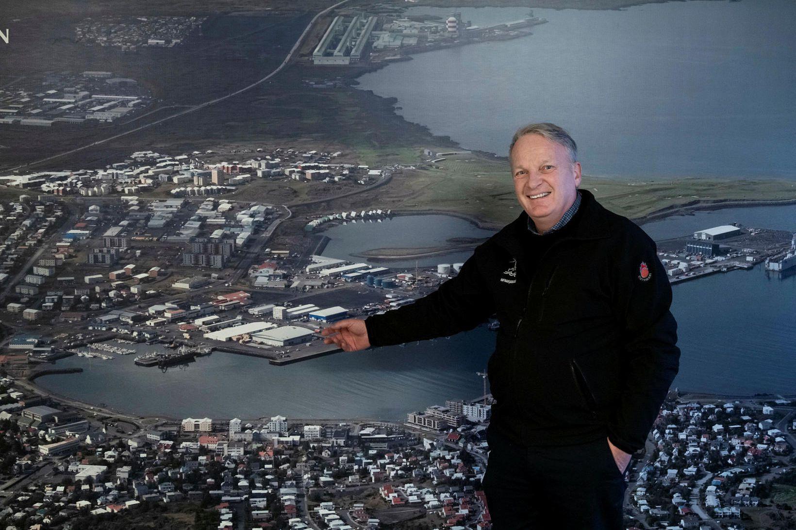 Hafnarstjórinn, Lúðvík Geirsson, í Hafnarfirði segir höfnina í stakk búna …