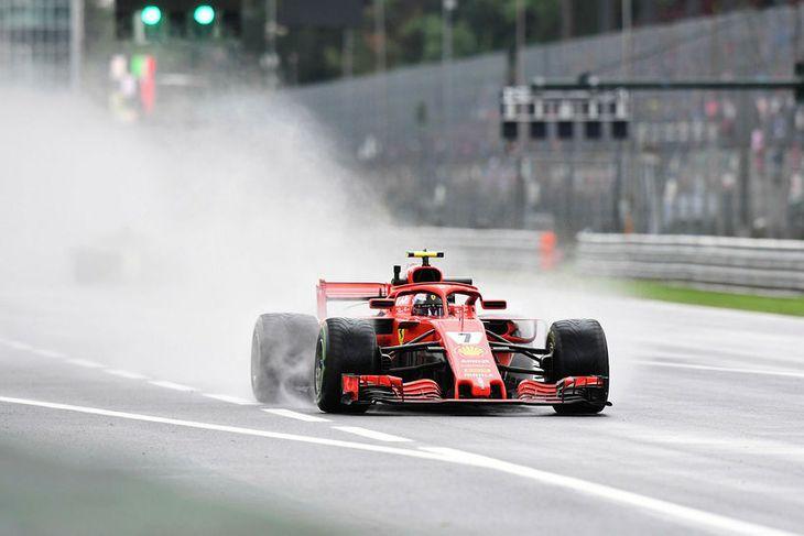 Kimi Räikkönen á ferð í Monza í morgun en hann átti næsthraðasta hringinn.