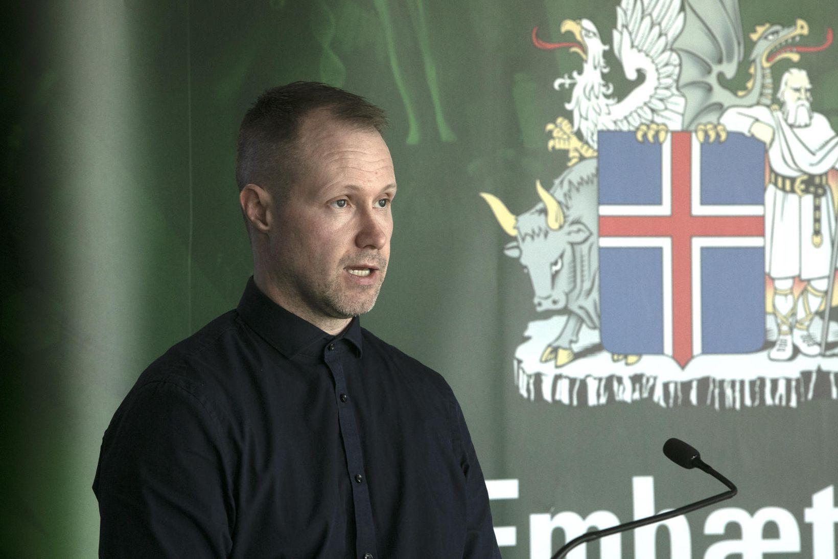 Jóhann B. Skúlason, yfirmaður rakningarteymisins, á upplýsingafundinum í morgun.