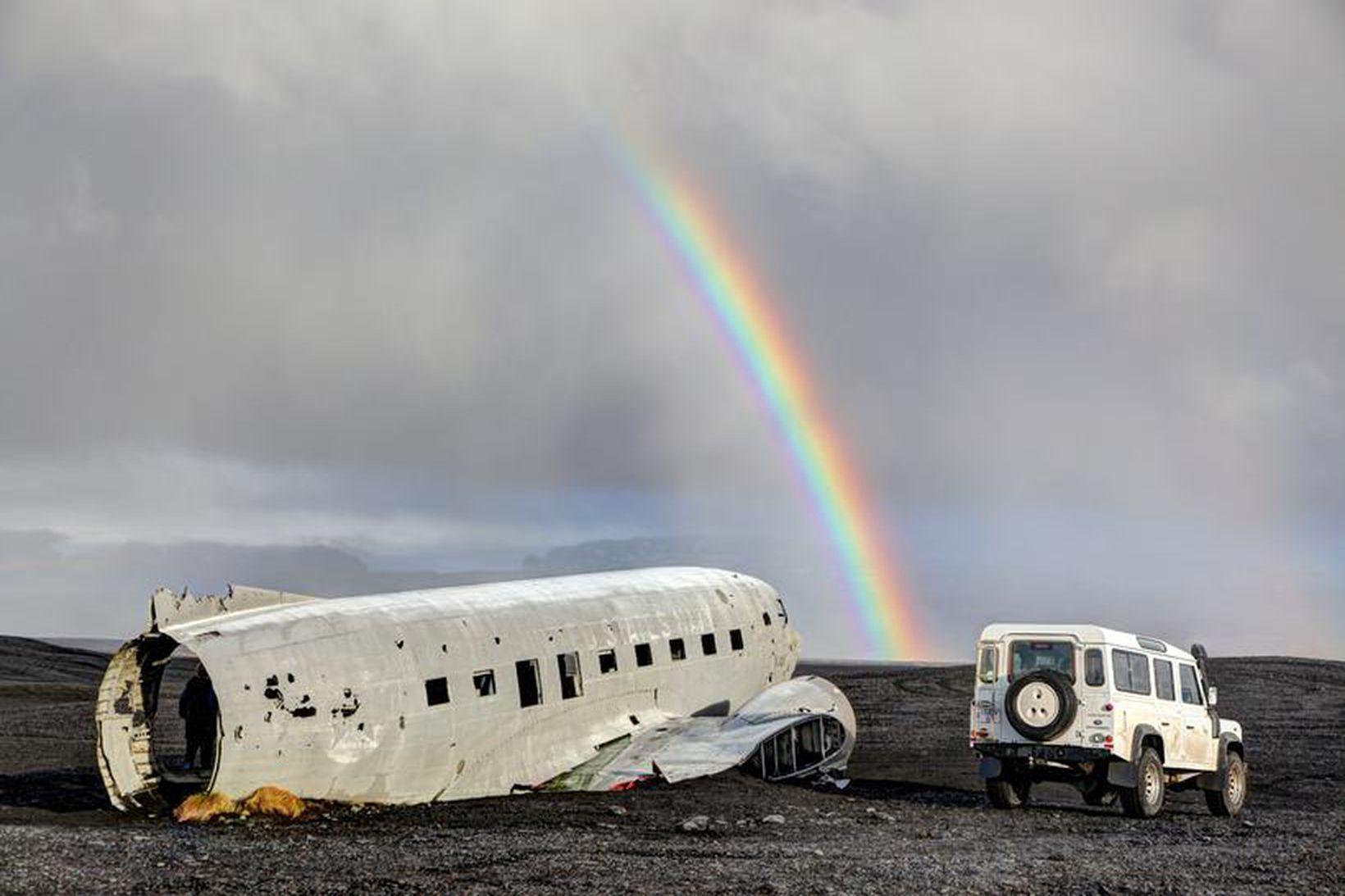 Flugvélarflakið hefur verið vinsæll viðkomustaður ferðamanna undanfarið.