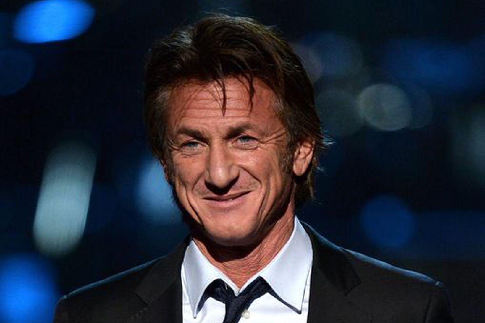 Leikarinn Sean Penn gekk í hjónaband í síðustu viku.