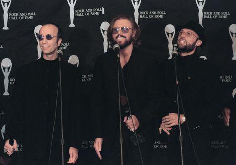 Robin, Barry og Maurice Gibb. Myndin var tekin árið 1997.