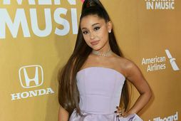Ariana Grande er í sóttkví með nýja kærastanum.