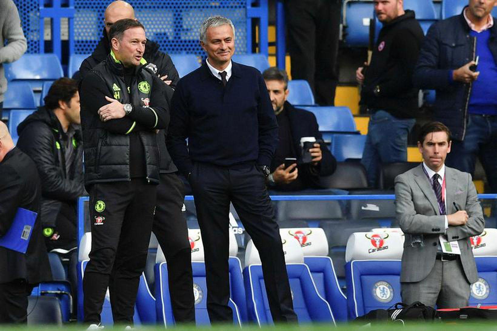 Steve Holland var aðstoðarþjálfari José Mourinho árið 2016.