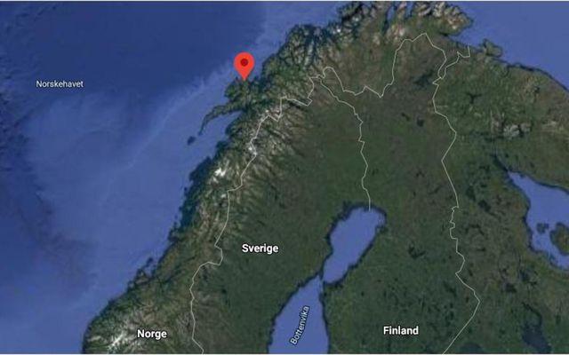 Andøy er í Nordland-fylki, milli Lofoten og Tromsø. Þar er fimm manns saknað eftir eldsvoða …