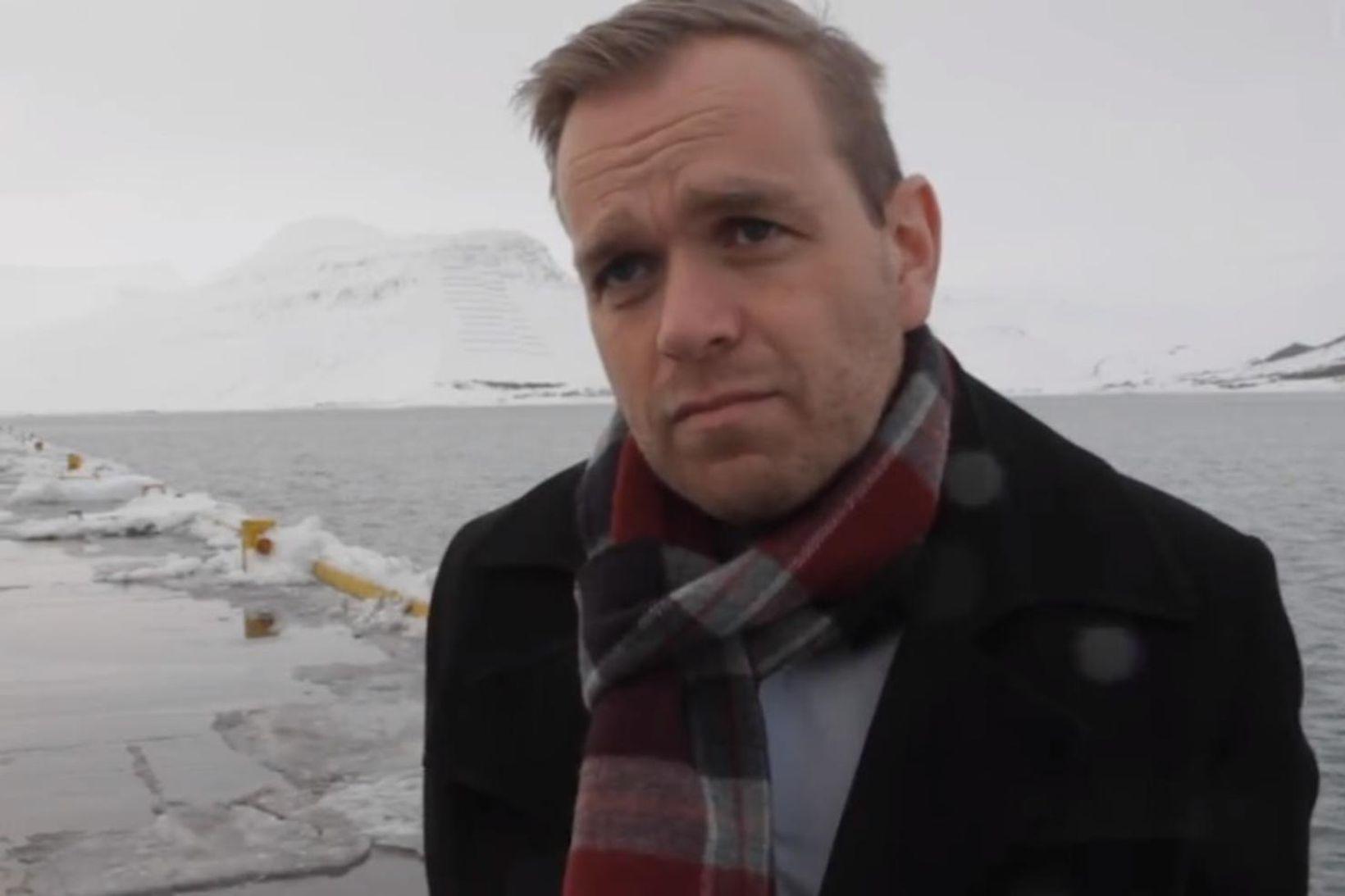 Starfslokasamningur bæjarstjórans á Ísafirði bíður samþykktar bæjarstjórnar.