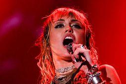 Miley Cyrus er aftur orðin edrú.