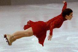 Katarina Witt í lausu lofti á móti í Herne árið 1993.