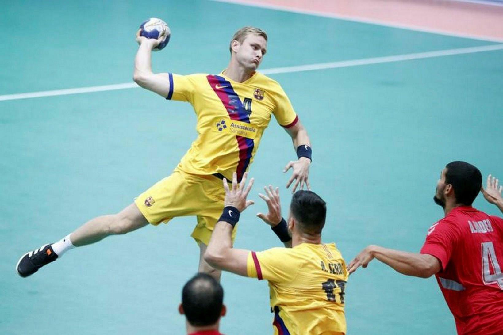 Aron Pálmarsson átti góðan leik fyrir Barcelona í stórleiknum.