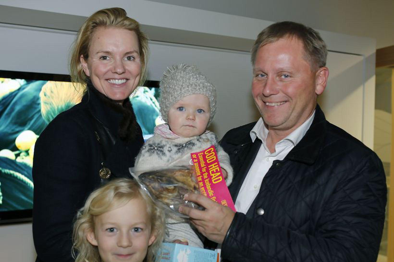 Gyða Dan Johansen Svava Edwald, María Dan, og Ari Edwald.