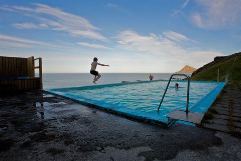 Krossnes Swimming pool