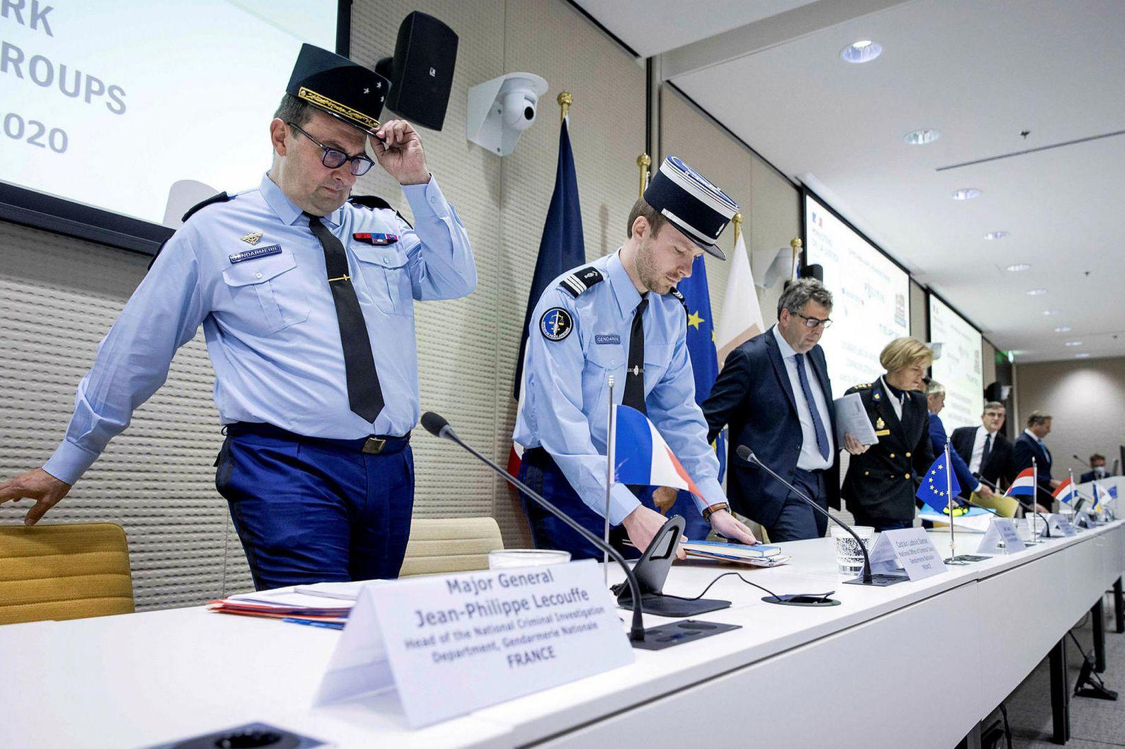 Europol hefur lokað fyrir dulkóðað símkerfi sem notað var af …