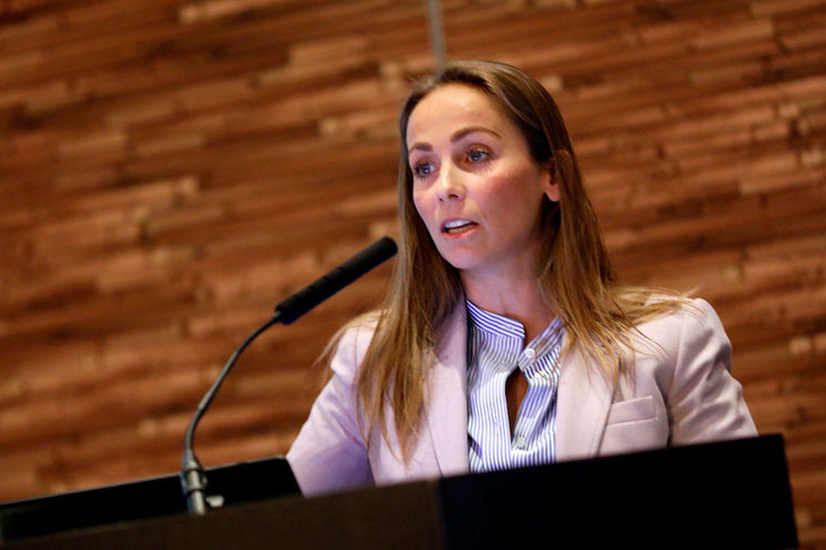Heiðrún Lind Marteinsdóttir, Framkvæmdastjóri SFS, segir veiðigjöld ársins 2020 nema …