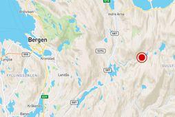 Rauði punkturinn sýnir hvar lík af karlmanni og konu fundust í gær á vinsælu útivistarsvæði …