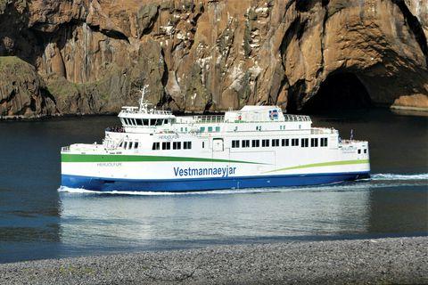 Viðræður í kjaradeilu skipverja Herjólfs eru hafnar að nýju eftir hlé.